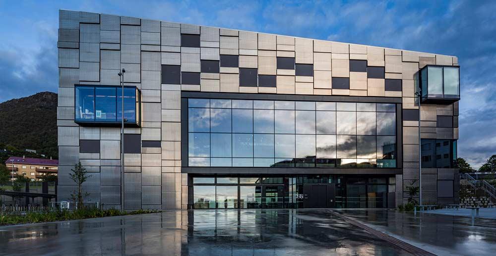 نمای کامپوزیتی ساختمان - طراحی و اجرای انواع نمای فلزی